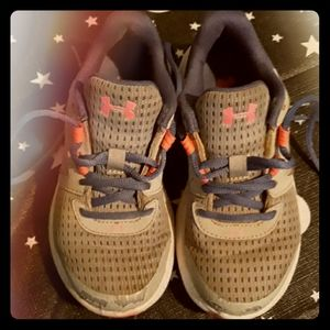 Girls Under Armour 12 Tennis Shoes Sneakers
